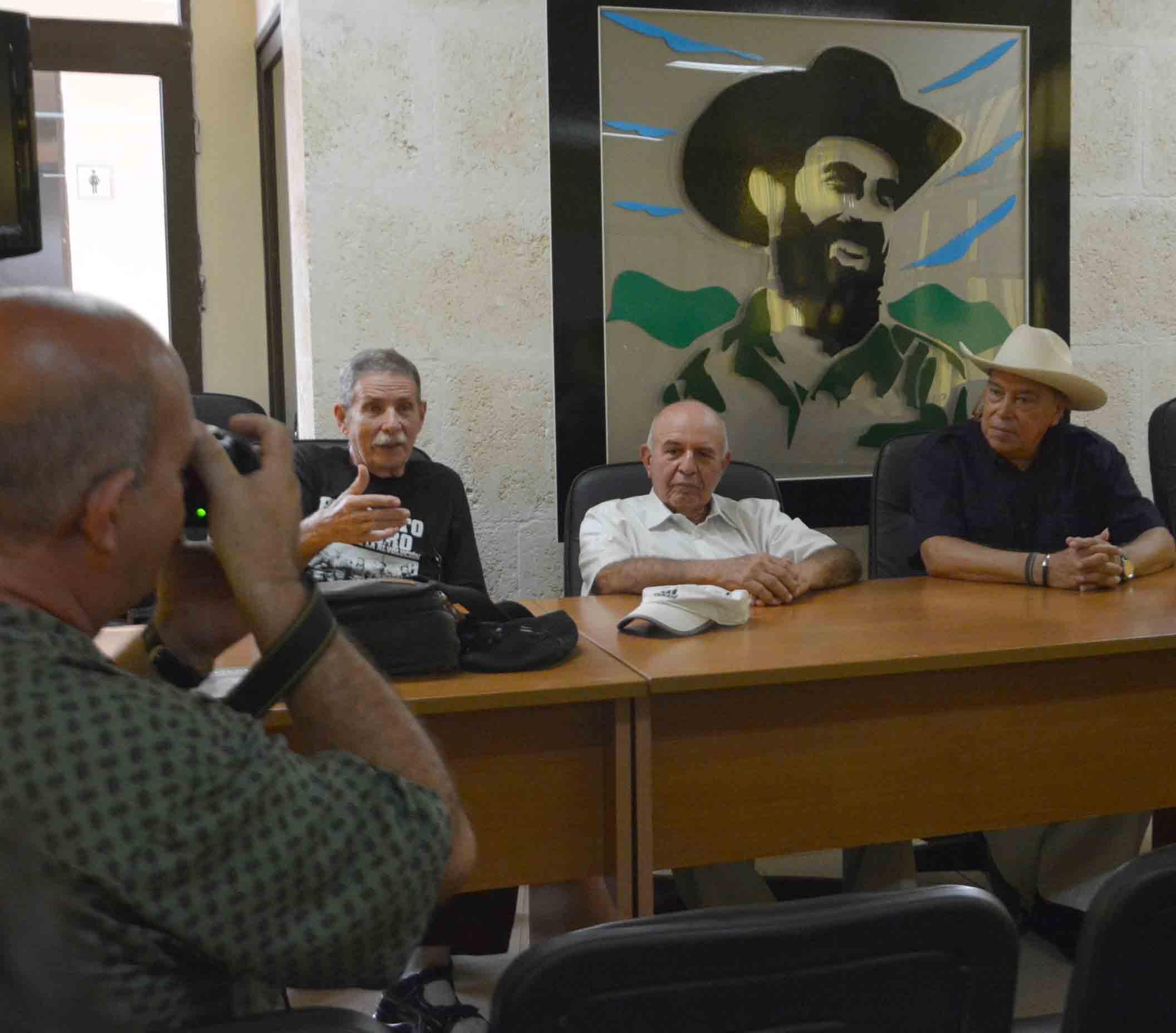 El documental fue presentado en el Complejo Histórico Camilo Cienfuegos en presencia de su protagonista y parte de sui equipo mexicano de realización. (Foto: Oscar Alfonso)