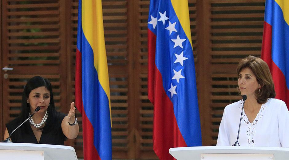 Las cancilleres de Venezuela, Delcy Rodríguez, y de Colombia, María Ángela Holguín, se reunirán este jueves en Caracas.