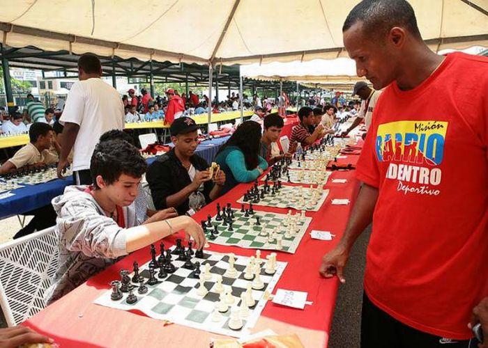 cuba, venezuela, barrio adentro deportivo