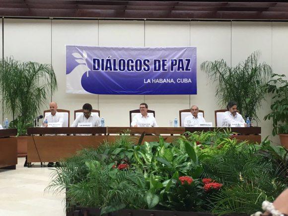 A la firma del acuerdo asistió el Canciller cubano Bruno Rodríguez Parrilla. (Foto: CubaMinrex)