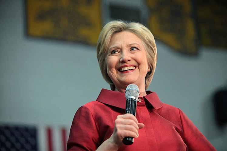 La Clinton disfruta desde finales de julio de una creciente ventaja sobre Trump. (Foto: PL)