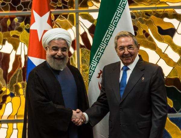 Raúl y Hasan Rohani durante la firma del memorándum de entendimiento entre Cuba e Irán. (Foto: ACN)