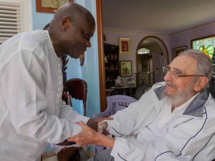 Fidel ratificó a Mário Vaz el deber elemental de Cuba de promover la cooperación entre los pueblos. (Foto: Alex Castro)