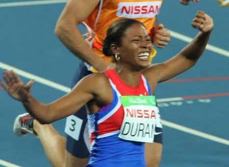 Medalla de oro para la cubana Omara Durand en los 100 metros planos femeninos categoría T12. (Foto: ACN)