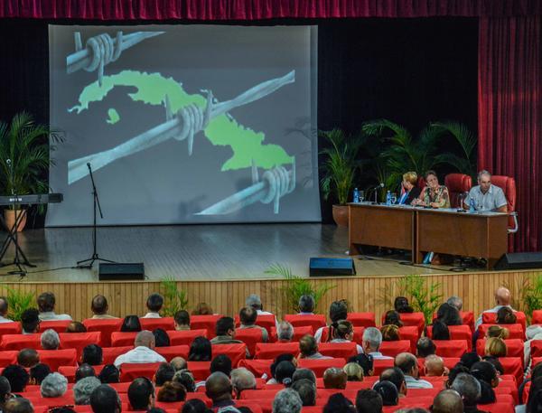 Los parlamentarios cubanos emitieron un comunicado en el que exigen al gobierno estadounidense el fin del bloqueo y el respeto de la soberanía nacional. (Foto: ACN)