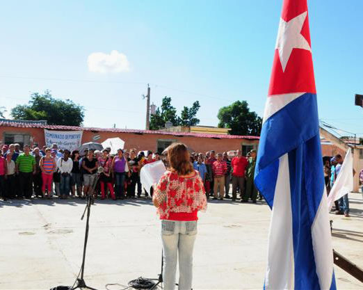 Las mujeres espirituanas instaron a la comunidad internacional a ratificar en la ONU el apoyo a Cuba en contra del bloqueo. (Foto: Vicente Brito / Escambray)