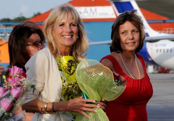 Josefina Vidal recibió a la doctora Jill Biden. (Foto: ACN)