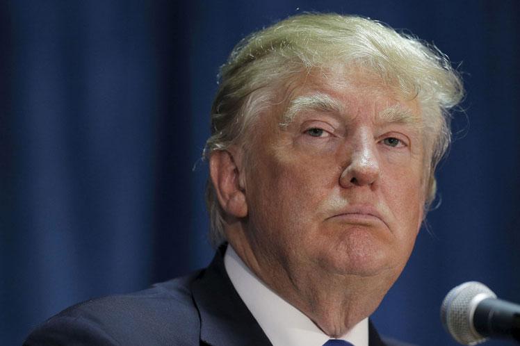 Las críticas demócratas eran esperadas, pero el Partido Rojo también arremetió contra Trump, cuya disculpa sonó poco convincente. (Foto: PL)