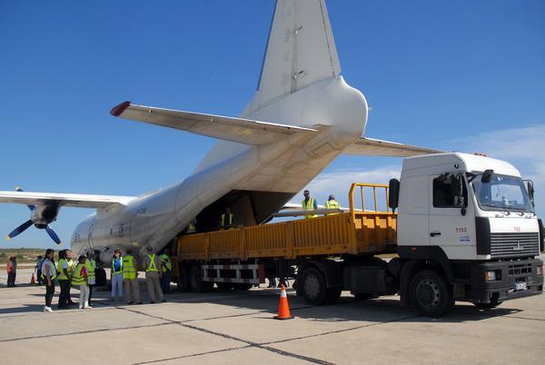El Programa Mundial de Alimentos aportó la primera ayuda internacional llegada por vía aérea para los damnificados del huracán Matthew. (Foto: ACN)