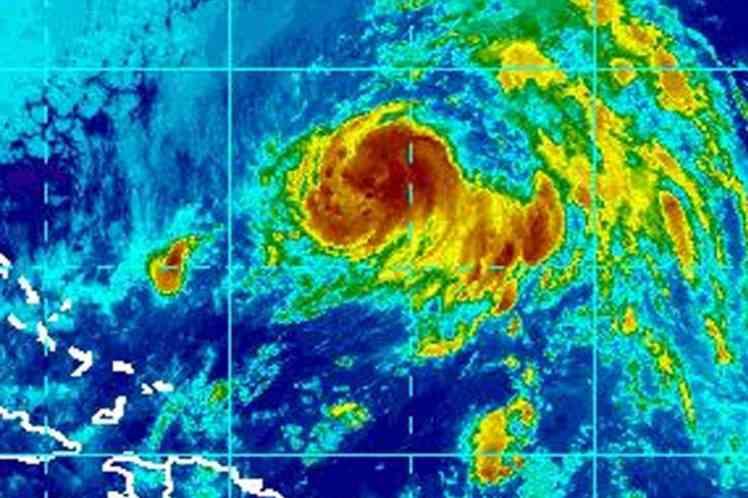 nicole, tormenta tropical