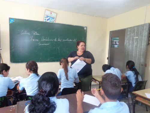 Los maestros deben buscar alternativas para que los alumnos conozcan los hechos relevantes del territorio.
