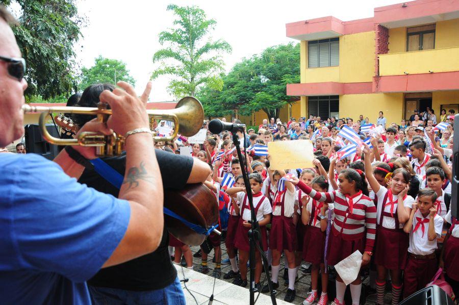 sancti spiritus, escuela de musica, bloqueo de eeuu a cuba, omnibus nacionales