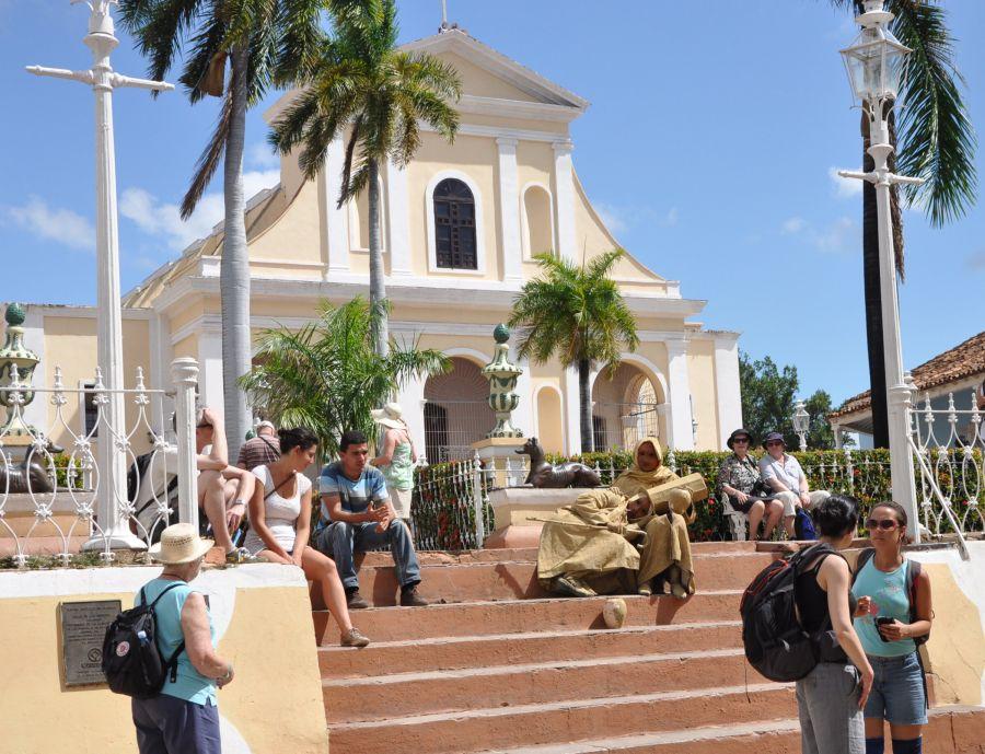 sancti spiritus, onat, oficina nacional de la administracion tributaria, trabajo por cuenta propia, hostales en trinidad