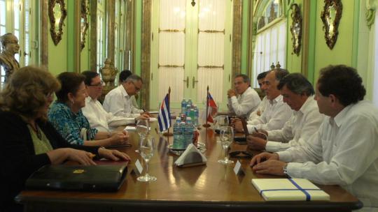 El encuentro se desarrolló en un ambiente cordial, donde intercambiaron sobre las realidades de ambos países. (Foto: Minrex)