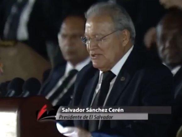La dimensión humana de Fidel tiene que ver mucho con la grandeza de su pueblo, su generosidad y heroísmo, expresó Sánchez Cerén.