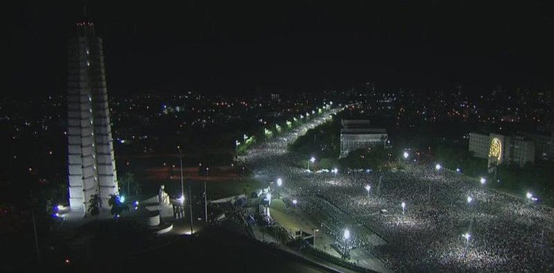 """Homenaje póstumo a Fidel en la Plaza de la Revolución """"José Martí""""."""