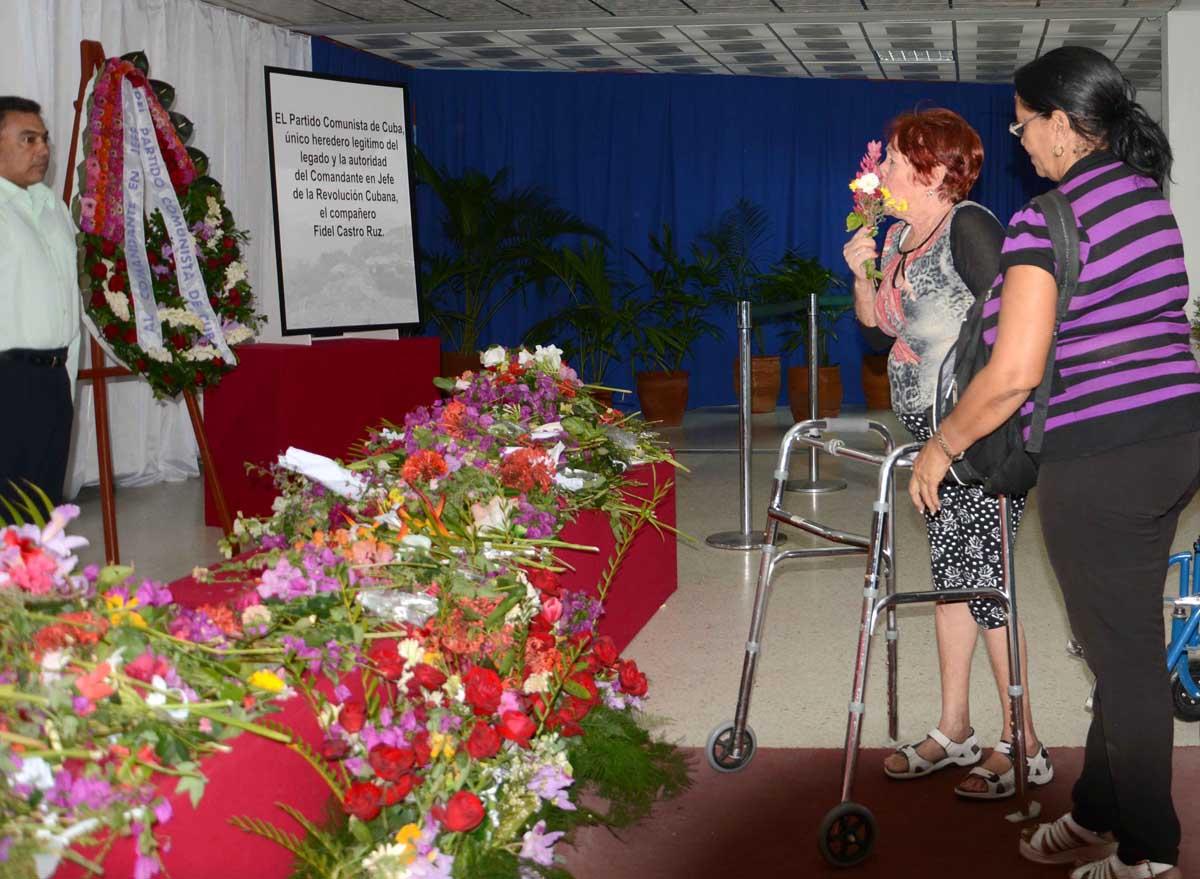 Sancti Spíritus rinde tributo póstumo a Fidel. (Fotos: Oscar Alfonso)