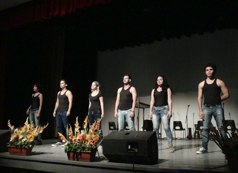 La obra En dos tiempos, del grupo de teatro de la Uniss, refleja problemas de la cotidianidad.