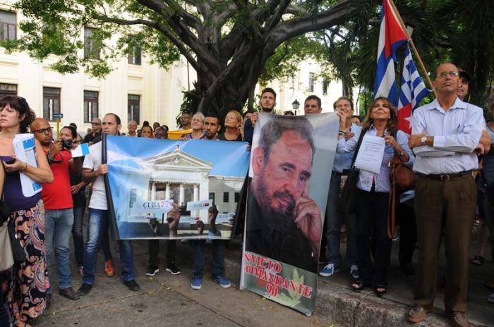 Escena del acto celebrado en La Habana, en el contexto de la Jornada Continental por la Democracia y contra el Neoliberalismo. (Foto: Granma)