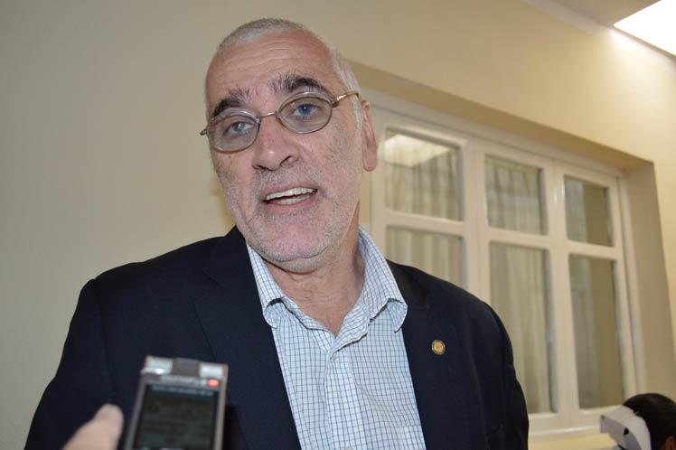 Leanes destacó la asociación tan fuerte de Bolivia y Cuba en el terreno de la atención sanitaria. (Foto: PL)