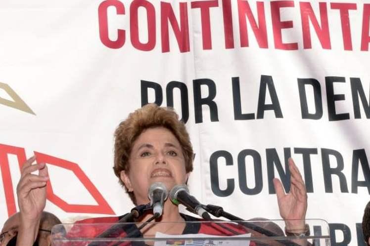 Dilma manifestó sentirse preocupada porque lo que está ocurriendo en América Latina 'sea un proceso con características continentales'.