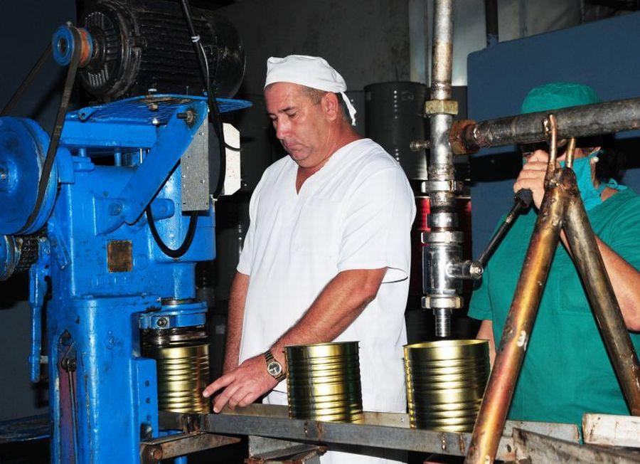 sancti spiritus, fabrica de conservas