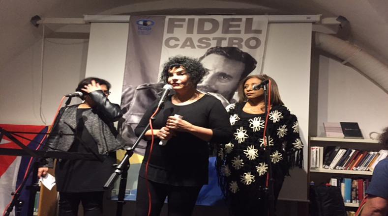 Organizaciones latinoamericanas, artistas, músicos, cultores y poetas participaron en un homenaje a Fidel castro en la Casa de la Solidaridad en Estocolmo-Suecia. Foto:ALBA