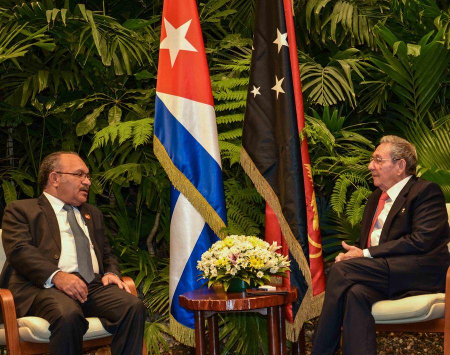 cuba, raul castro, primer ministro de papua nueva guinea
