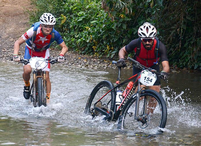 Pendientes muy empinadas, cruce de ríos y trazados de alta exigencia técnica, marcaron la segunda etapa. (Foto: Ricardo López Hevia)
