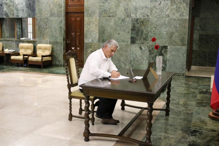 Díaz Canel transmitió a Rusia las condolencias del Gobierno y pueblo cubanos por el asesinato del embajador Andrei Karlov.