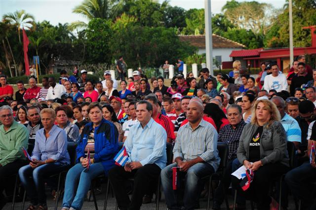 Momento del acto por la victoria de Yaguajay.