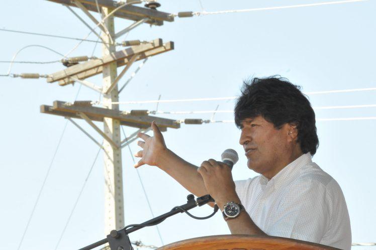 Lo que no se hizo en 180 años de vida republicana en Bolivia, se está haciendo en los últimos 10 años, aseguro Evo.