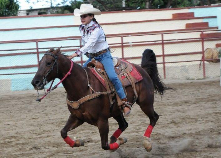 La representación femenina está presente en cada competición de la feria. (Foto: Vicente Brito/ Escambray)