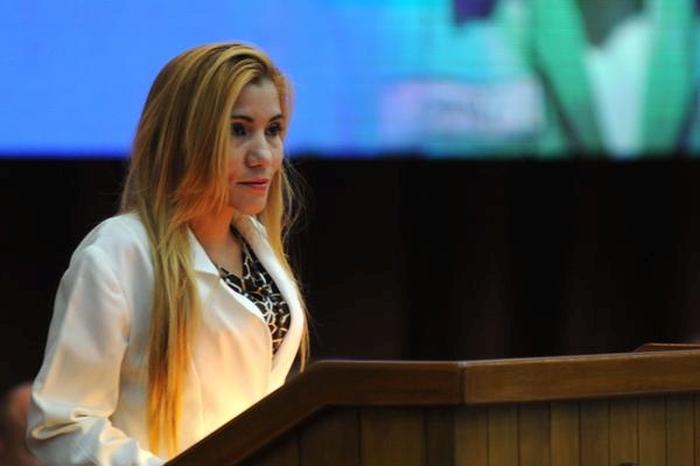La Dr. Marta María Ortega agradeció nuevamente al ALBA la graduación de más 5000 médicos venezolanos en la especialidad de Medicina General Integral. (Foto: ACN)