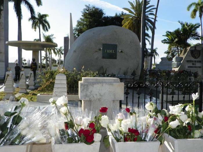 cuba, santiago de cuba, fidel castro ruz, cementerio de santa ifigenia, raul castro