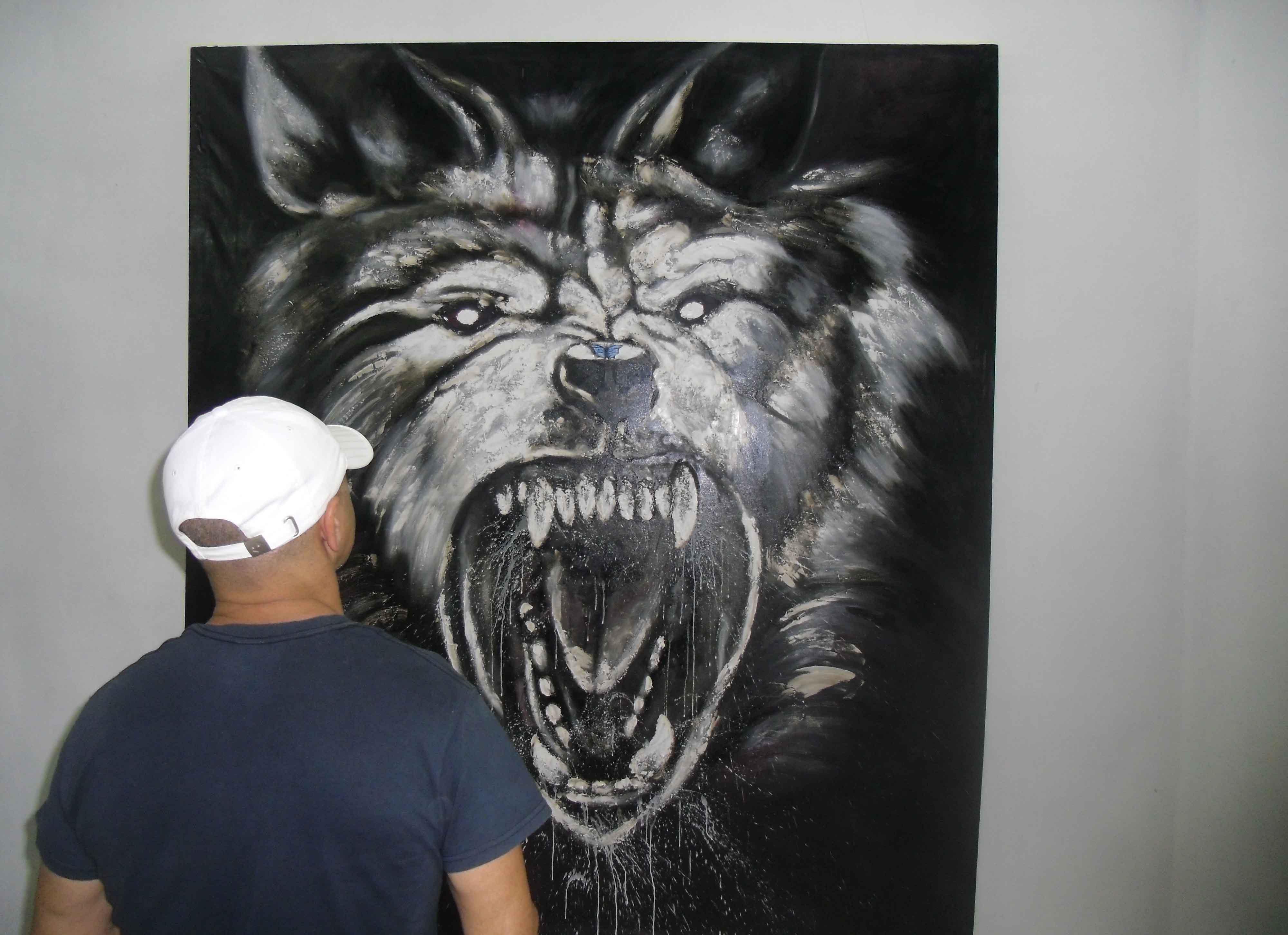 La muestra Y sin embargo muevo la cola…, se exhibe en la Galería de arte Oscar Fernández Morera. (Foto: Lisandra Gómez)