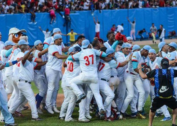 El campeón Ciego de Ávila garantizó su presencia en la gran final del béisbol cubano por tercera temporada consecutiva. (Foto: ACN)
