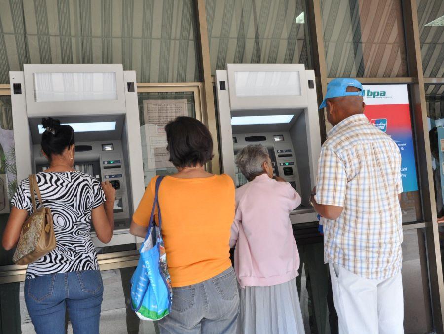 sancti spiritus, cajeros automaticos, banco popular de ahorro, bandec, tarjetas magneticas