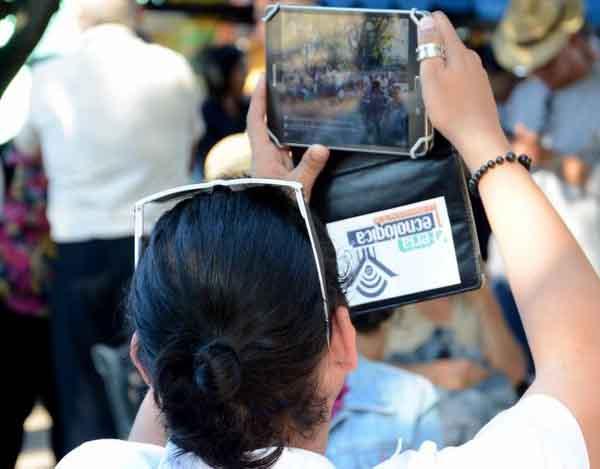 Novedades de las comunicaciones y la informática están presentes en la Feria. (Foto: Oscar Alfonso/ACN)