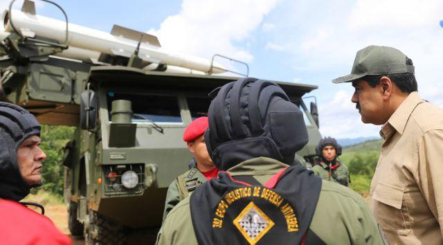 Las armas están ahora al servicio de la patria y en defensa de nuestro pueblo, recalcó Maduro. (Foto: AVN)