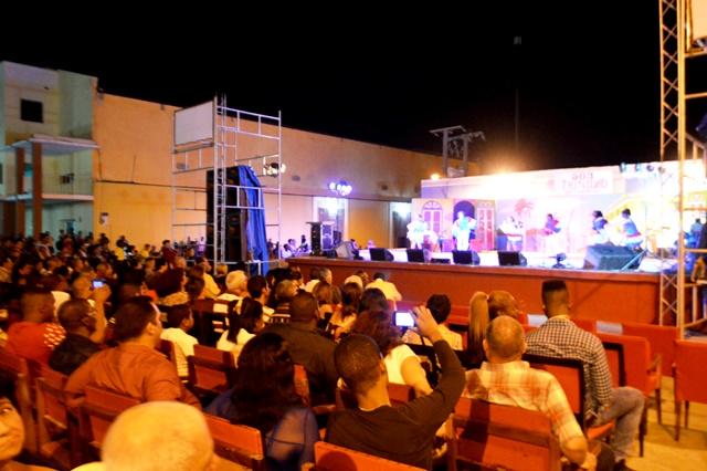 La gala tuvo lugar en la plaza 500 aniversario. (Foto: Carlos Luis Sotolongo/ Escambray)