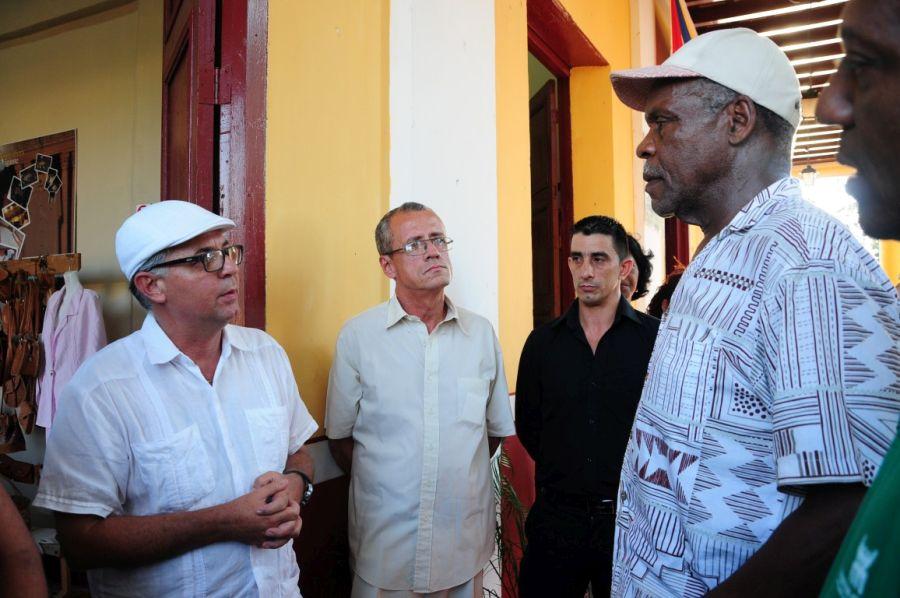 sancti spiritus, danny glover, casa de la guayabera, relaciones cuba-estados unidos