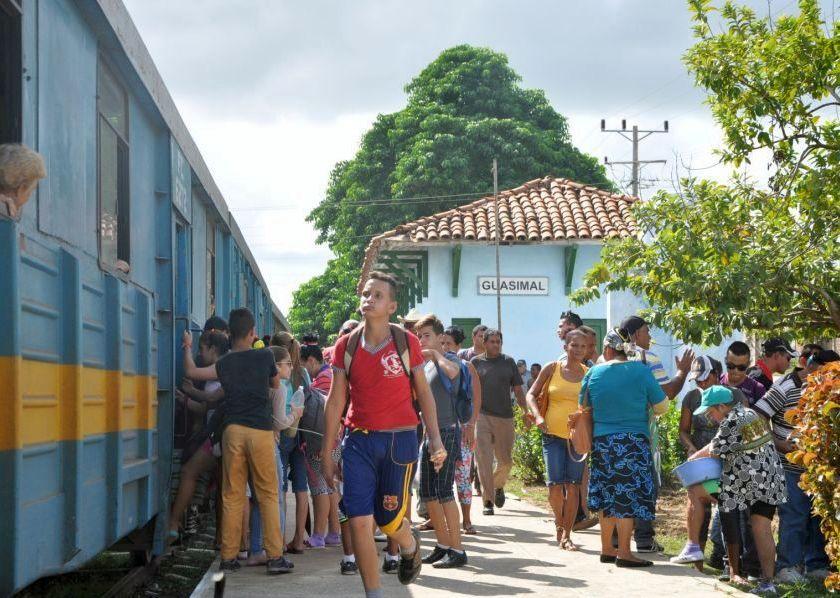 sancti spiritus, ferrocarriles, tren, tunas de zaza, transporte