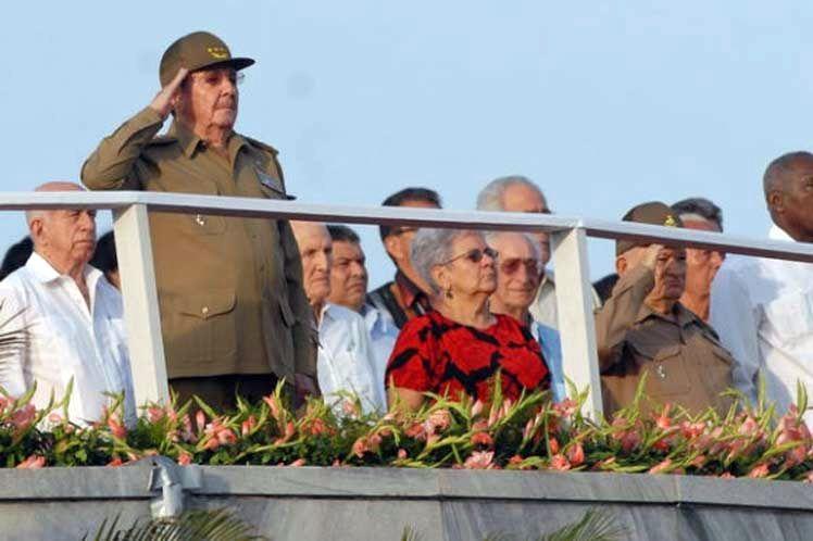 cuba, fuerzas armadas revolucionarias, desfile militar, raul castro, marcha del pueblo combatiente, fidel castro