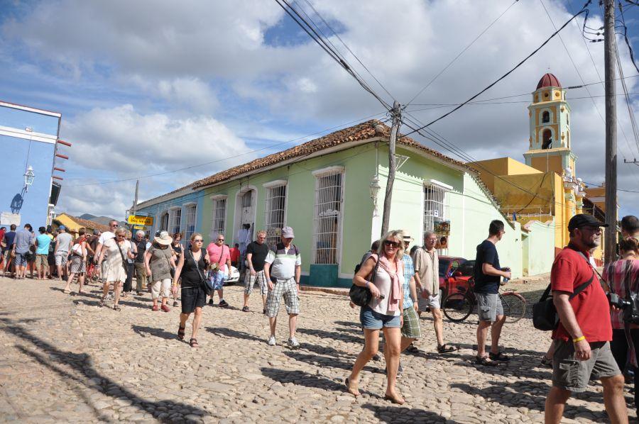 Entre los lugares a recorrer figura el Centro Histórico de Trinidad.