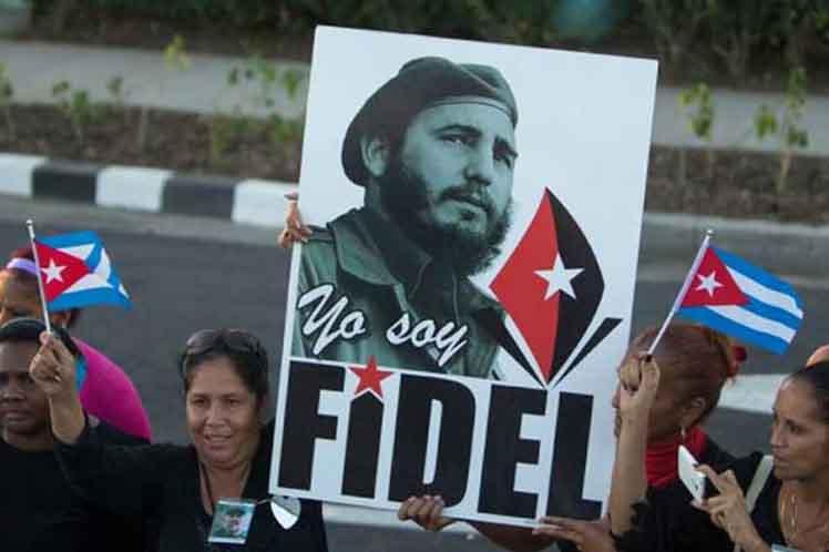 Millones de personas hacen suya la consigna Yo soy Fidel.