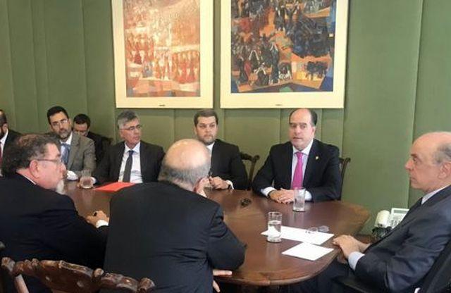 Este jueves el presidente del partido de extrema derecha Primero Justicia, Julio Borges, se reunió con el ministro de Relaciones Exteriores de Brasil, José Serra.