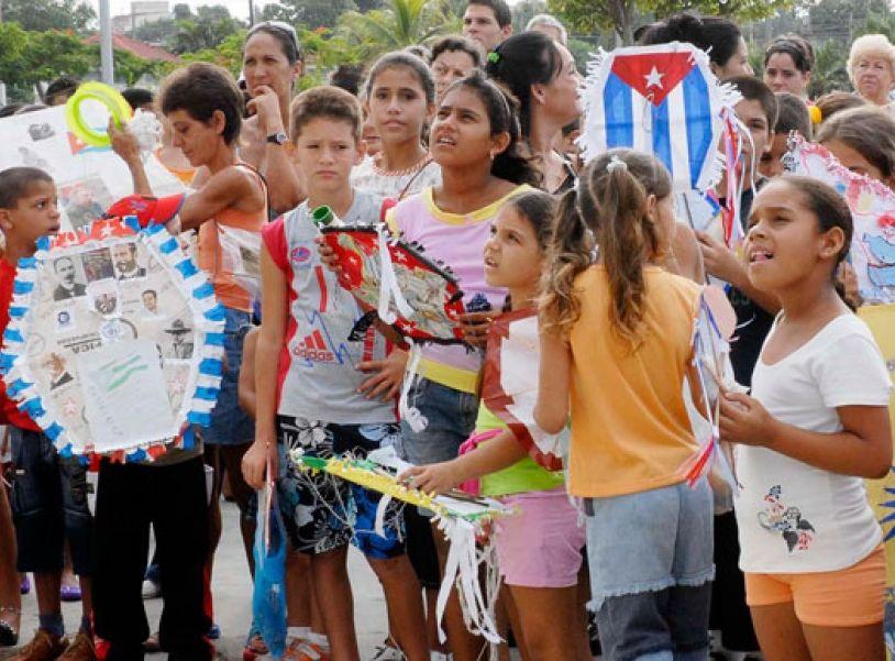 cuba, pioneros cubanos, organizacion de pioneros jose marti, bloqueo de eeuu a cuba