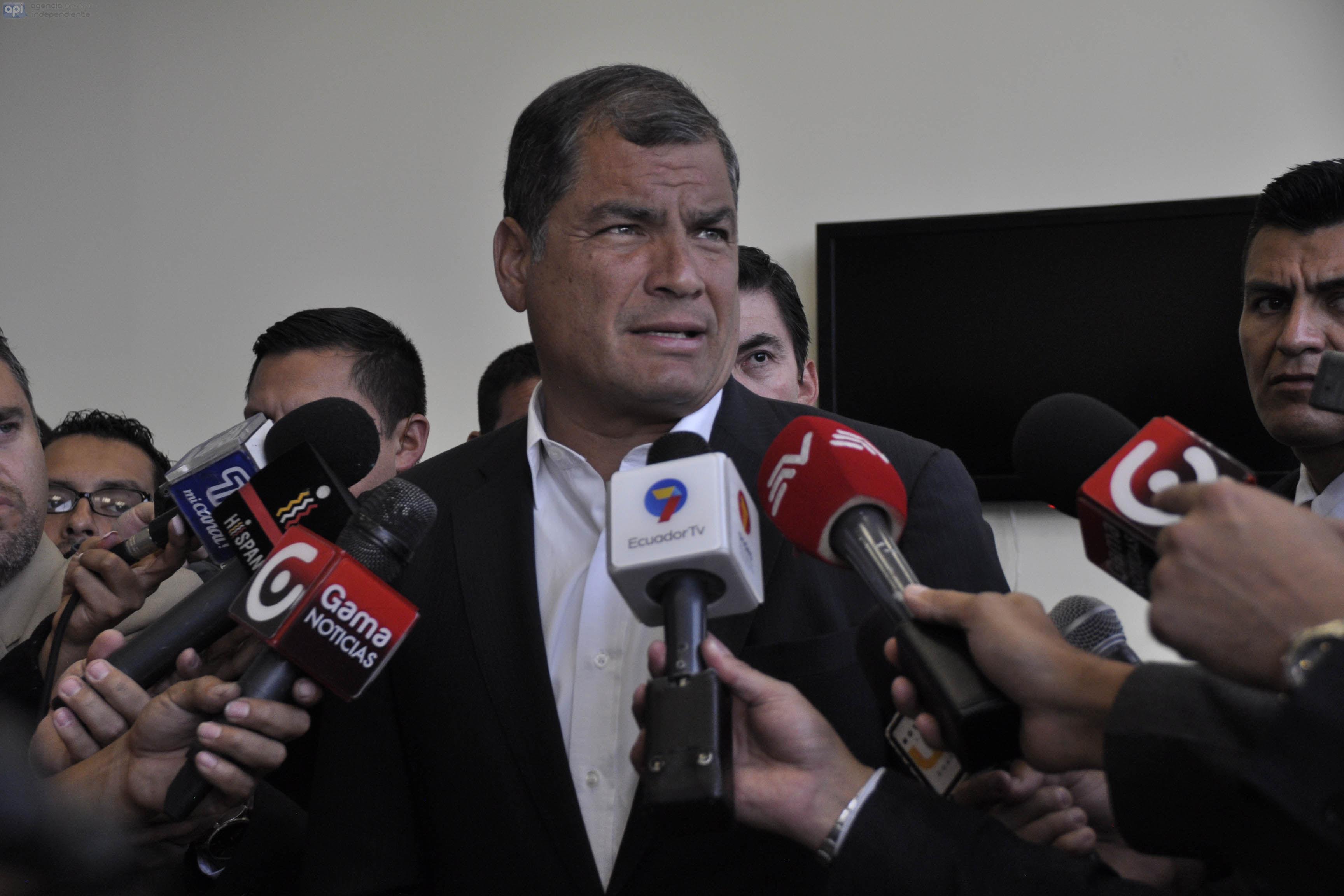 Rafael Correa, Ecuador, elecciones, educación, privatización