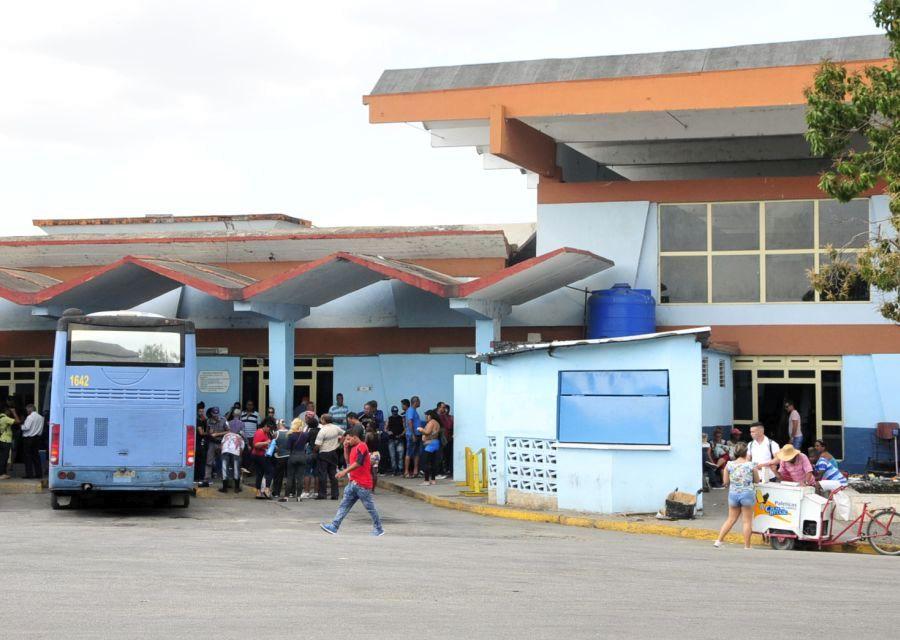 sancti spiritus, terminal de omnibus, indisciplina sociales, transporte terrestre